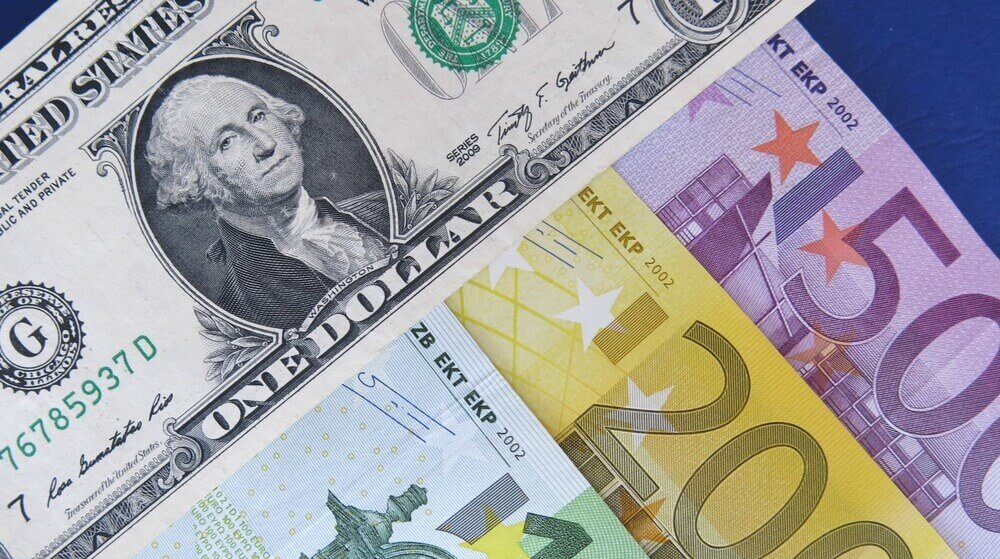 The dollar at 2018s lows, Euro above 1.1920