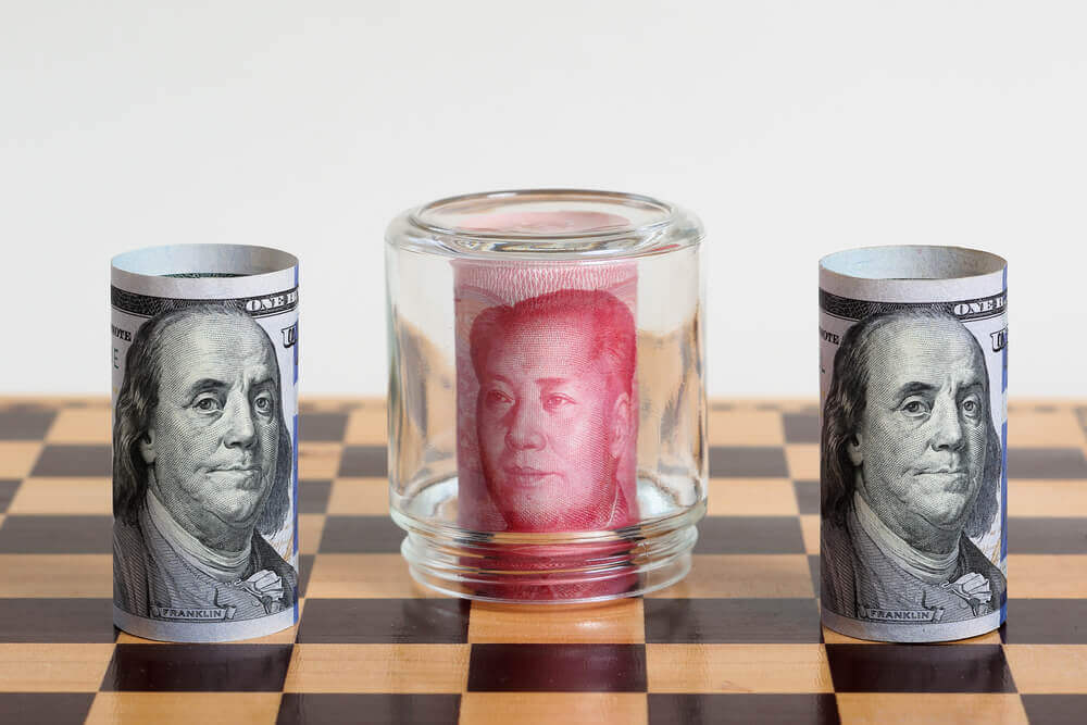 Dollar sits back on constant trade conflicts, yuan recovers