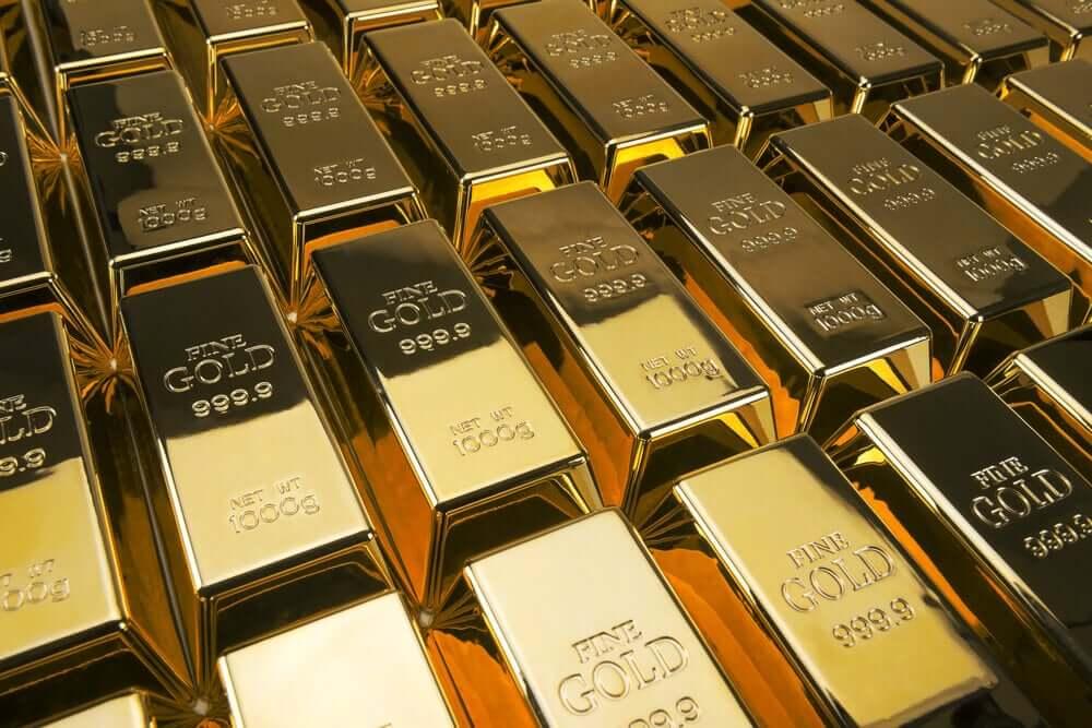 FinanceBrokerage - Commodity Market Gold Prices Drop on Escalating Trade War