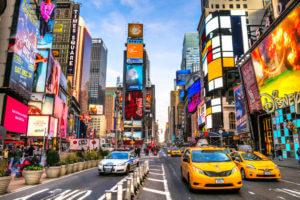 FinanceBrokerage - Economics Survey reveals NY surpasses London as top financial center