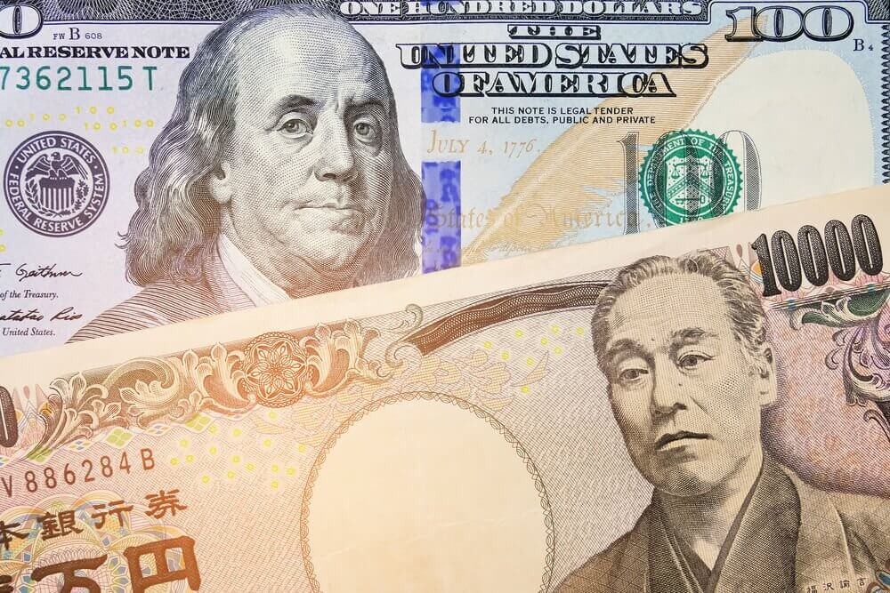 FinanceBrokerage - Currency Rate: The Japanese yen climbed against the dollar over Italy's uncertainty on spending plans.