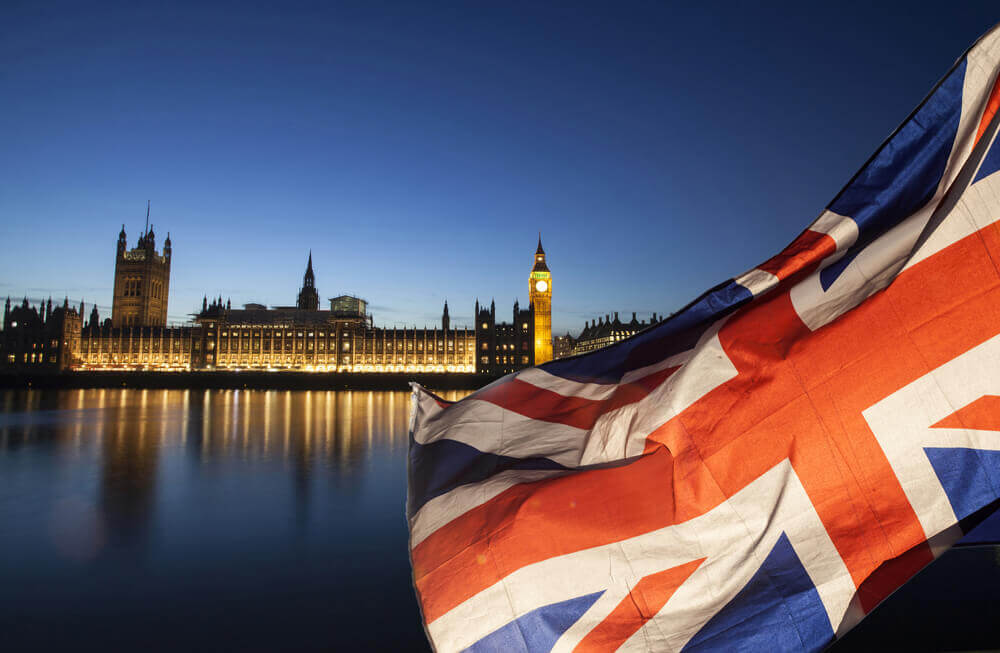 FinanceBrokerage - Tech Updates UK Backs Apple, Amazon Denials on China Hacks