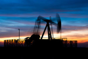 FinanceBrokerage – Marketwatch: Oil dropped on Friday amid on global economy outlook concerns.