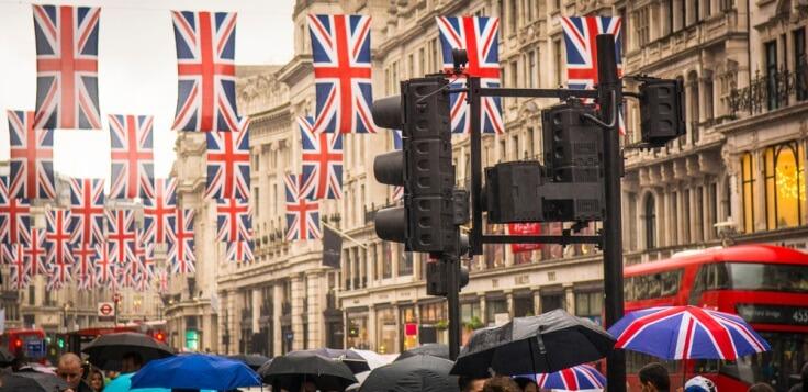 Finance Brokerage – Britain: an overhead shot of a busy London Street.