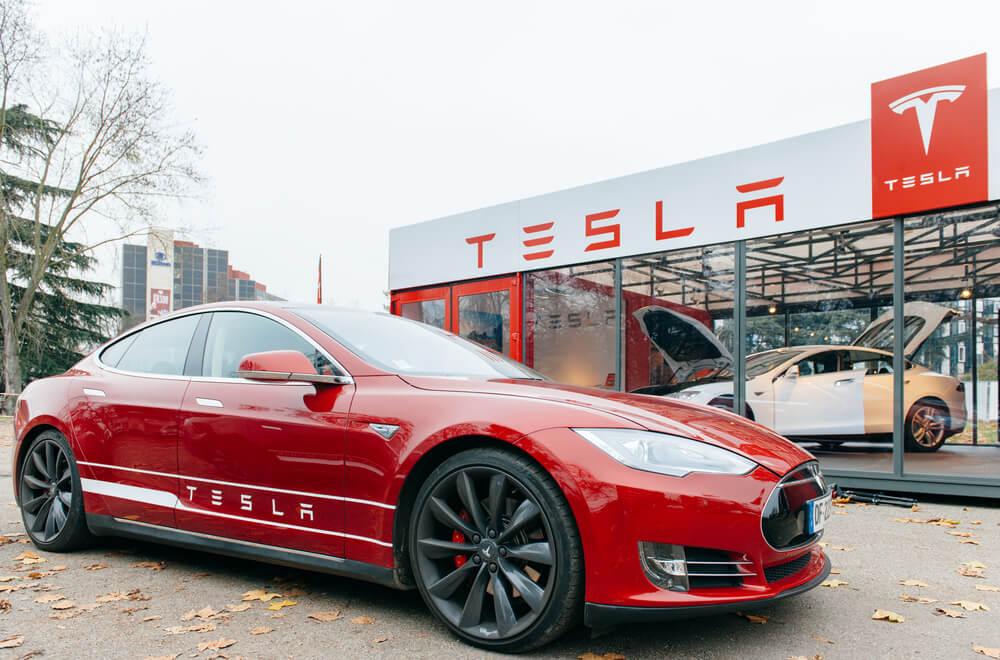Tesla shop - Tesla Closing stores to sell Model 3 at $35K - Finance Brokerage