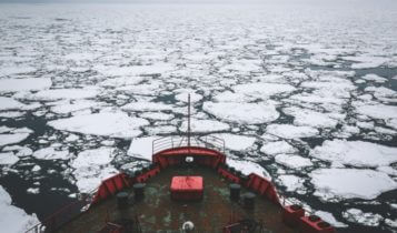 icebreaker driving through ice in the Arctic for Polar Silk Road– Finance Brokerage