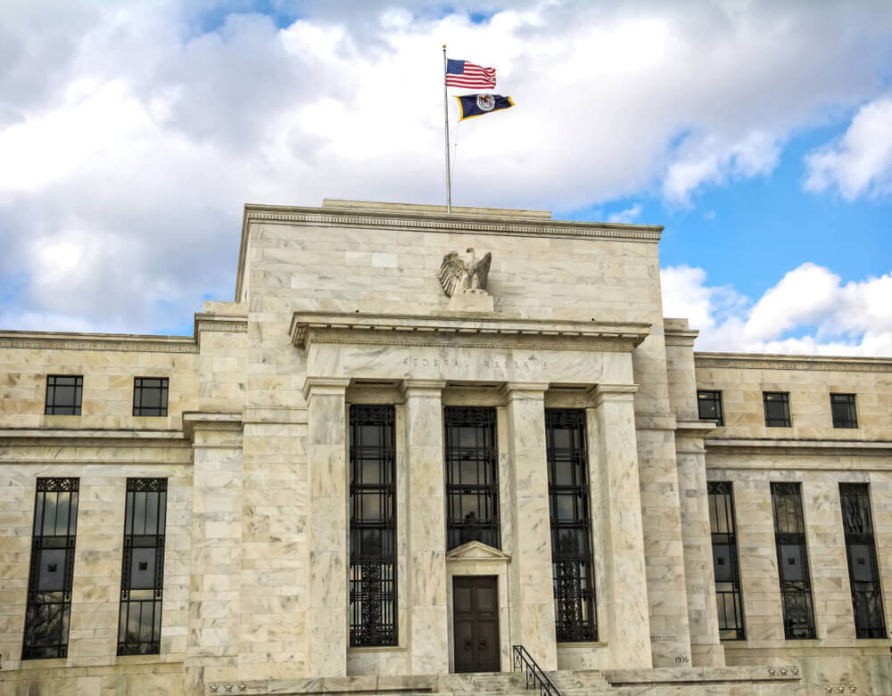 Finance Brokerage – Forex pairs: Federal Reserve Building