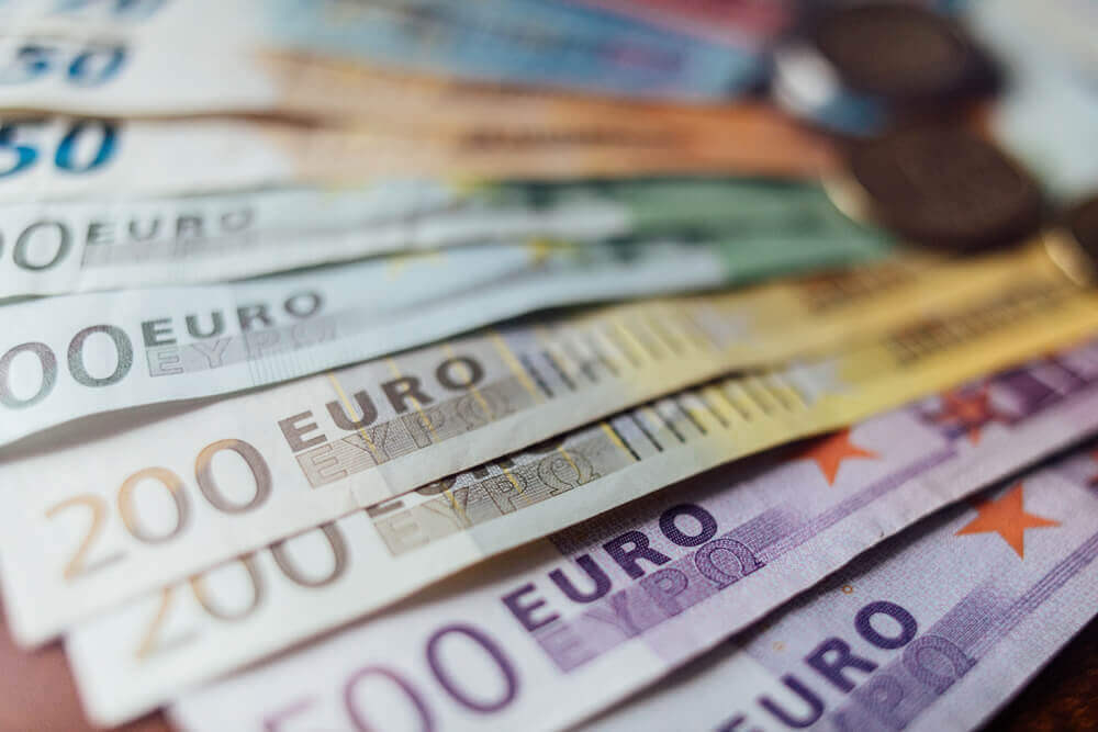 Finance Brokerage – Euro: Euro Money Banknote