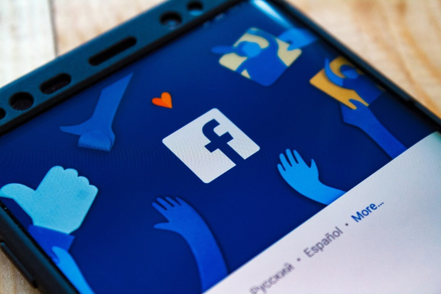 FB, Insta, and WhatsApp Faces Outage