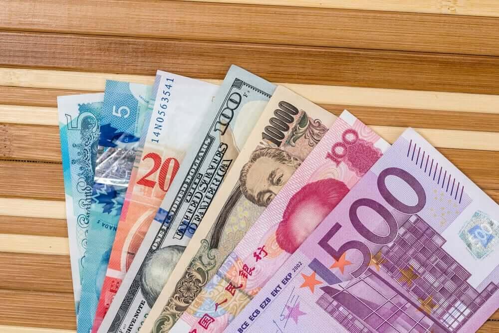 Finance Brokerage – US Dollar: American dollars, European euro,Swiss franc,Chinese yuan and Japan yen.