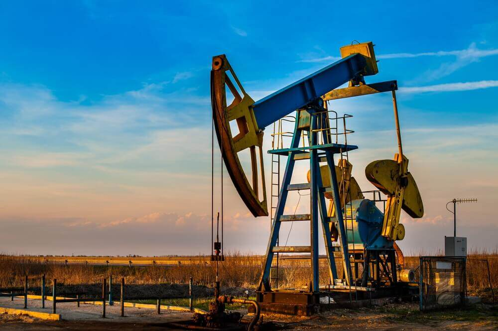 Oil prices: Oil pump. Oil industry equipment.