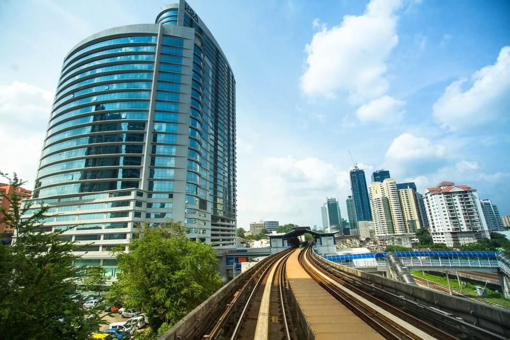 Retail Investors Help Malaysian Stocks Recoup Losses