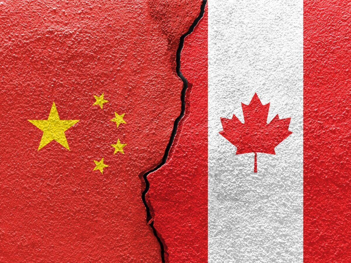 """Diplomata chinês chamou Canadá de """"cão de corrida"""" dos EUA"""