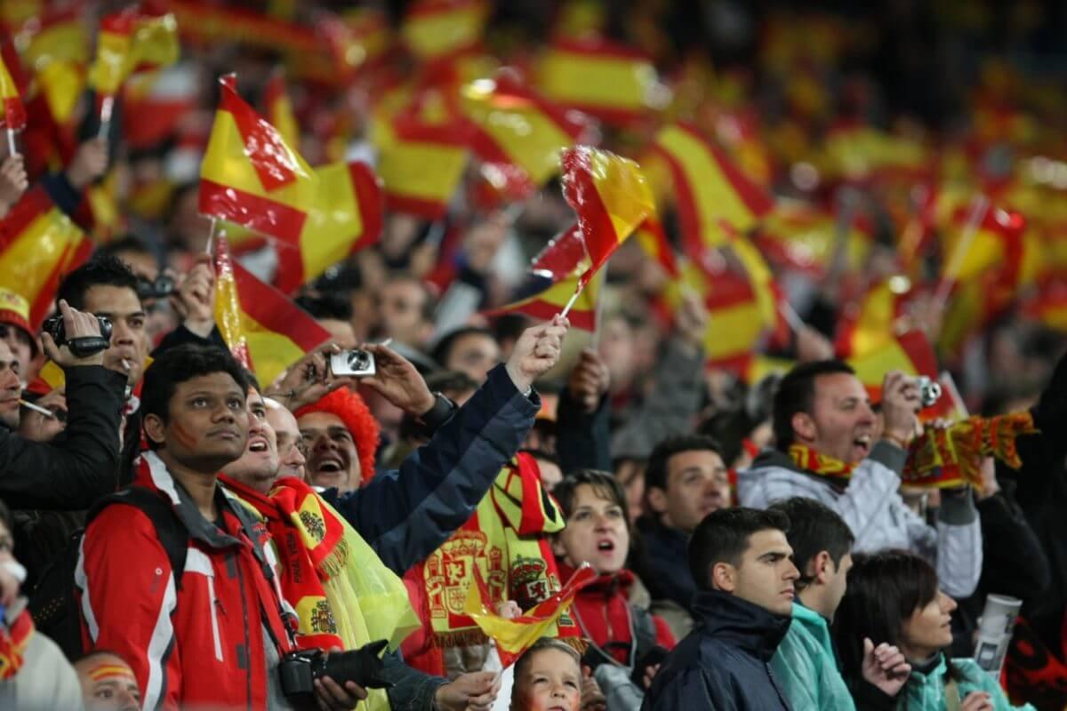 Spanish Football Team, a Fan Token, and Blockchain Platform