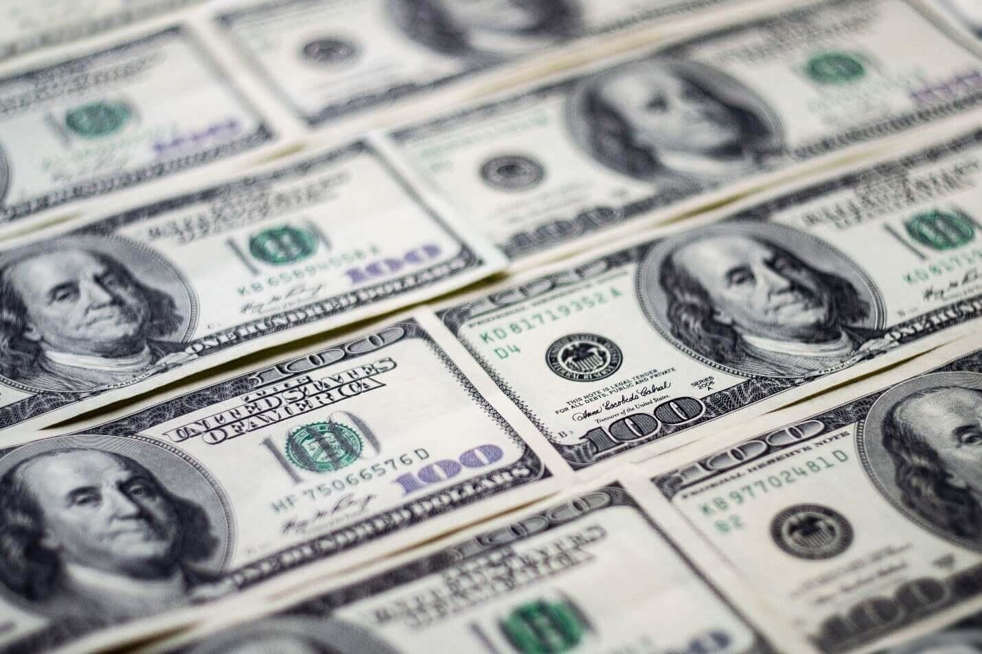Dólar atingiu maior alta em mais de duas semanas