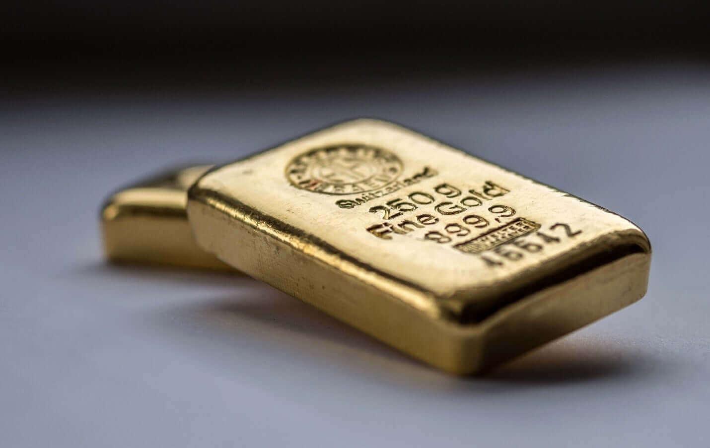 Ouro foi negociado perto de uma alta de três meses
