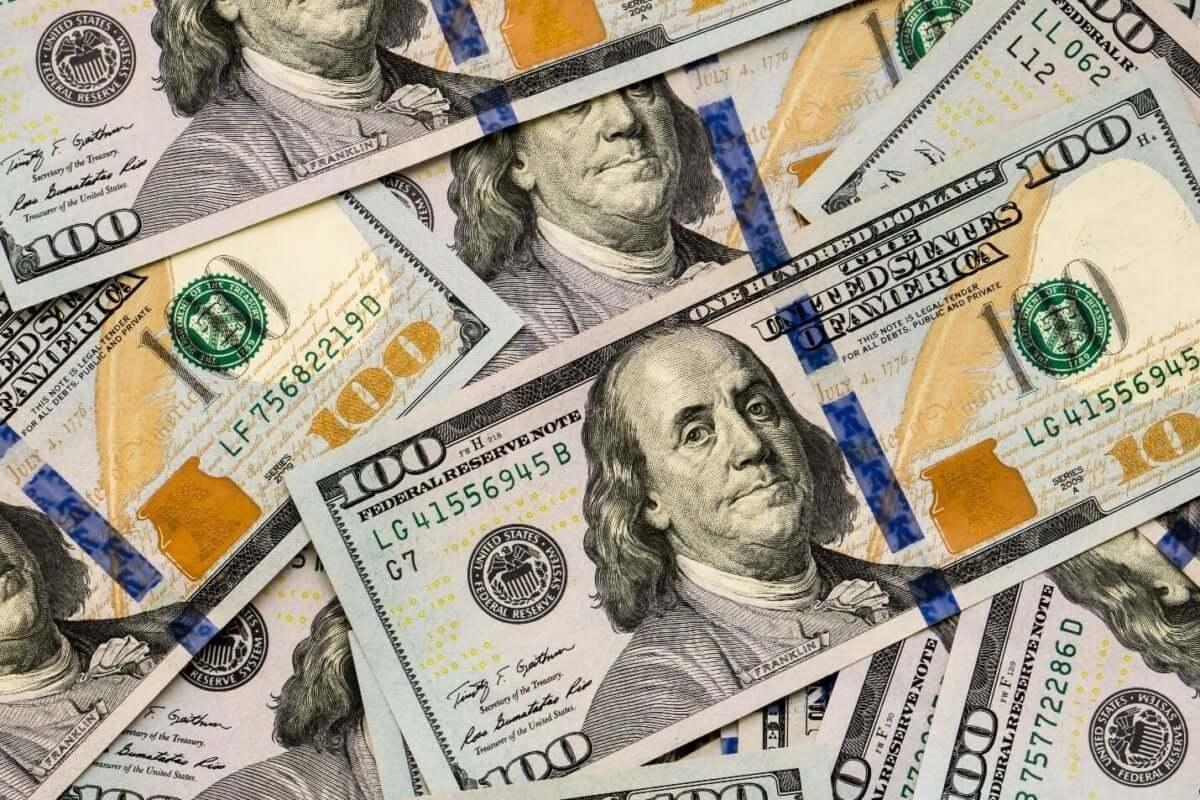 Dólar permanece inalterado antes da reunião do Fed