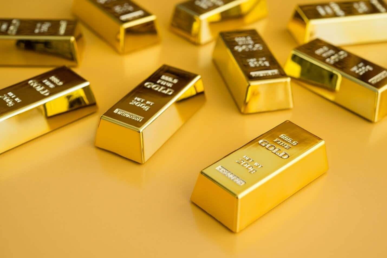 Ouro em queda com o fortalecimento do dólar americano
