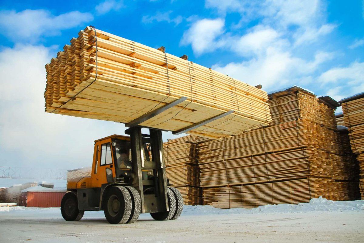 O preço da madeira caiu mais de 40% desde maio