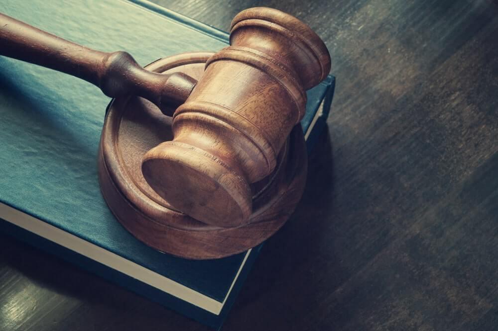 malhete- martelo de juiz